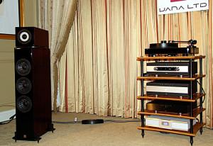 Nella sala Vienna Acoustic la catena Primare