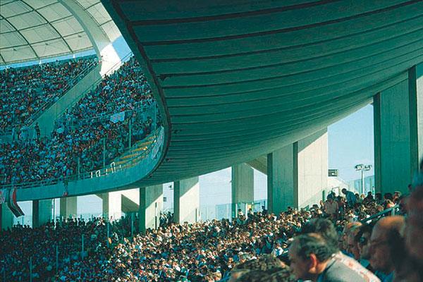 Figura 14 - Veduta dei due anelli che compongono la struttura portante dello stadio.