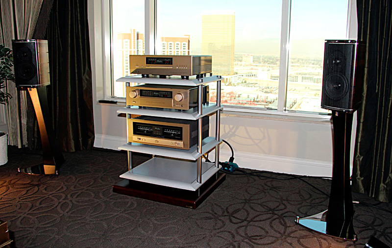 24-accuphase-con-serblin
