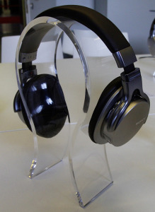 sony-stand-MDR-1ADAC