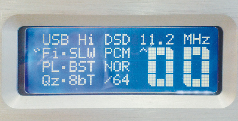 Il DAC che ci ha permesso di effettuare misure e ascolti anche in DSD256 è presentato nella sezione AUDIOcostruzione (pag. 123). Qui vediamo la schermata del display che indica la frequenza di 11,2 MHz, corrispondente al DSD256, ma poi ci siamo spinti anche oltre...
