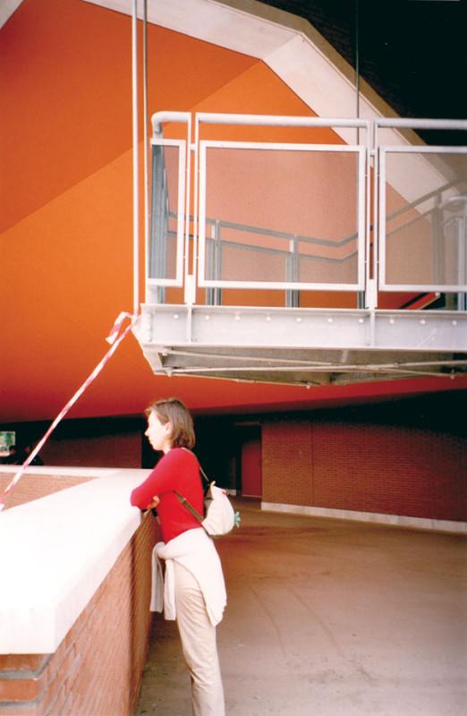 Figura 3 - L'altezza di una delle due rampe di sicurezza della sala media... circa 192 cm!