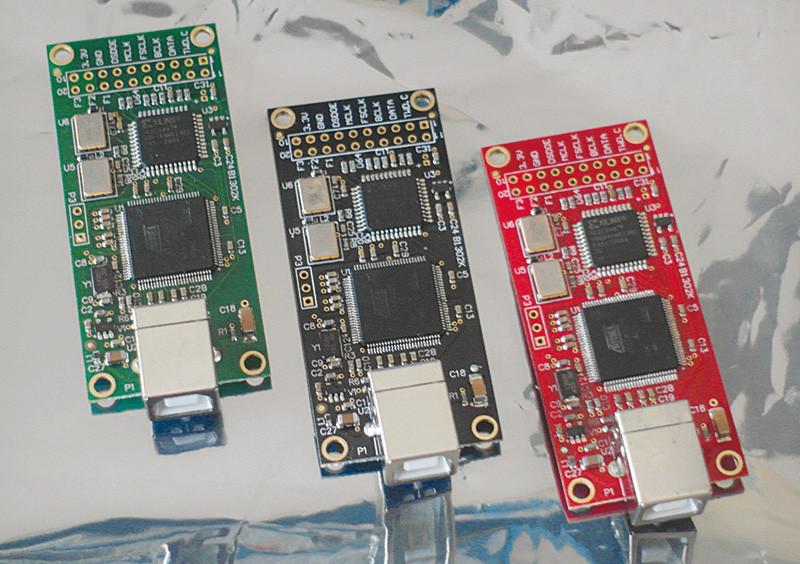 La Combo384 è una scheda di interfaccia USB in grado di agganciare segnali DSD fino a 512x, di fatto almeno una generazione avanti rispetto ai DAC oggi disponibili.