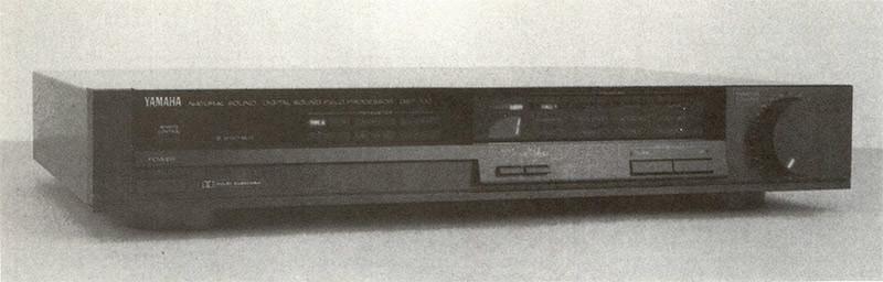 Una seconda categoria di elaboratori di imma gine sonora è costituita da apparecchi che aggiungono al segnale di ingresso un completo set di prime riflessioni e di riverberazione. A parte le apparecchiature prima analogiche e poi digitali impiegate da diversi decenni nella pratica di studio radiofonico, di registrazione ed anche nell'esecuzione dal vivo, il primo esempio di elaboratore digitale di immagine stereofonica ad uso dell'audiofilo è rappresen tato dal DSP-100 Yamaha (nella foto, vedi anche prova su A UDIOreview n. 83, maggio 1989). Esistono anche alcuni preamplificatori che incorporano queste funzioni tra i quali ricordiamo il Sony TA-E 1000 ES in prova su questo stesso numero.